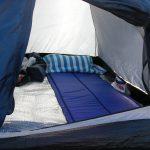 DABADAのインフレータブルマットで寝てみた(^―^)砂浜での寝心地レビュー!